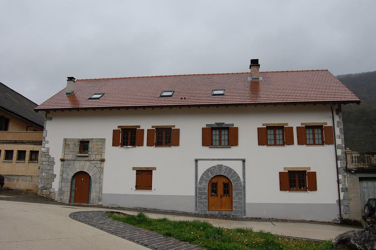 Rehabilitación para dos viviendas adosadas en Orbaitzeta